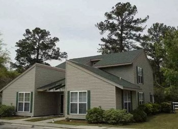 10 Whites Dr. 2-3 Beds Townhouse for Rent Photo Gallery 1