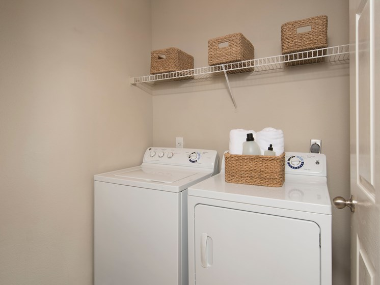 Apartment near Rice University with washer and dryer