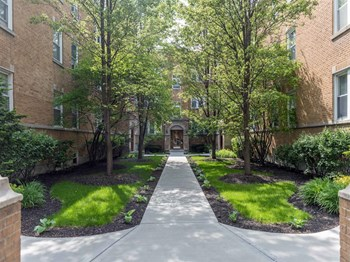 4874-80 N. Ashland Ave. 1-2 Beds Apartment for Rent Photo Gallery 1