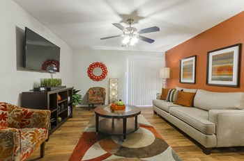 5500 S Hulen St 1-2 Beds Apartment for Rent Photo Gallery 1