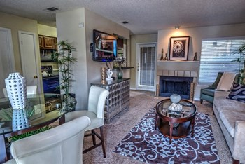 3541 W. Northgate Dr. 1-2 Beds Apartment for Rent Photo Gallery 1