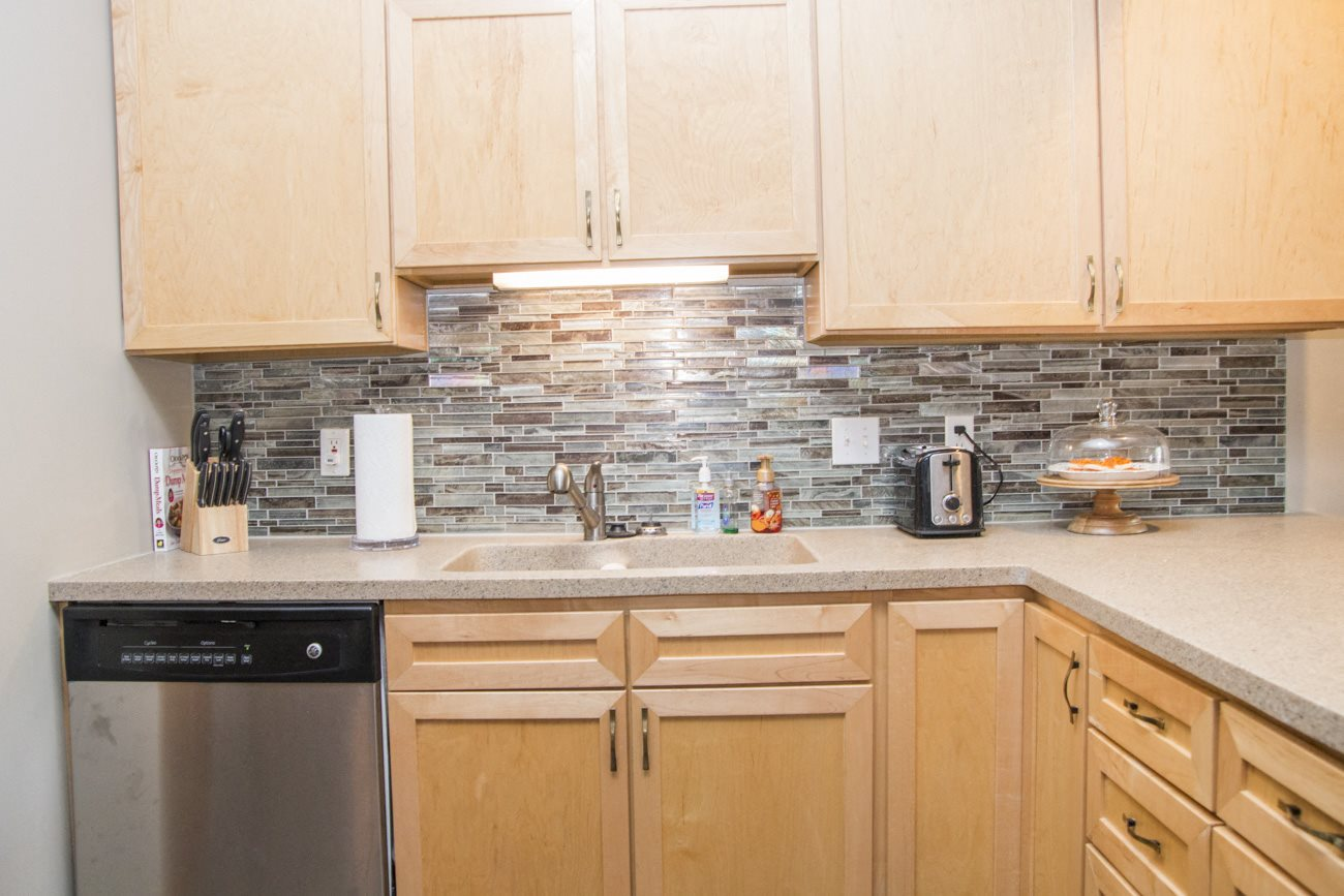 Interiors-Southwind Villas in La Vista NE with kitchen backsplash