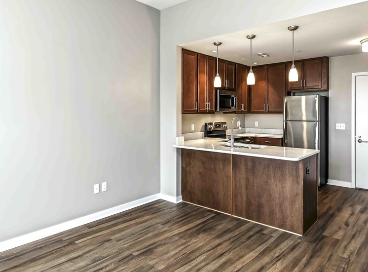 Interiors-Midtown-Crossing-Apartments-Omaha-NE-one-bedroom-apartment