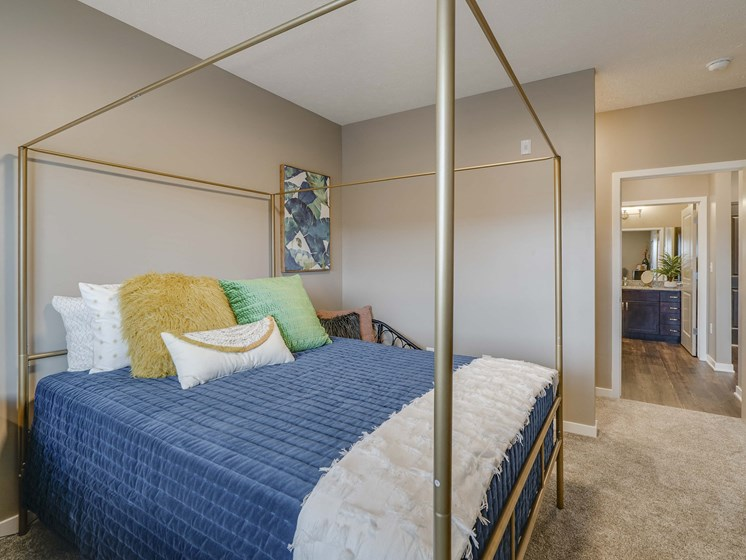 Spacious 1 bedroom apartment at The Flats at Shadow Creek new luxury apartments in east Lincoln NE 68520