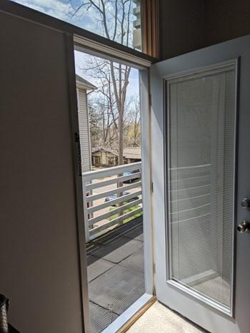 1556 Jones Unit B 1 Bed Apartment for Rent Photo Gallery 1