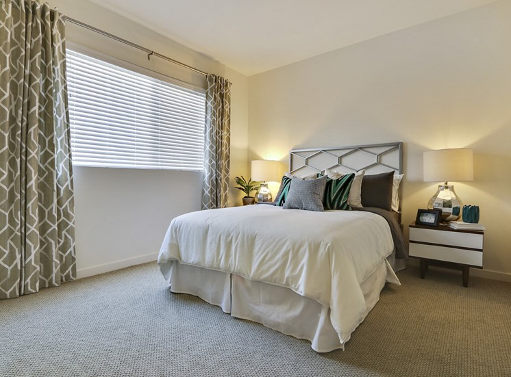 Two Bedroom Apartments in Hollywood, CA - Vues on Gordon Apartments Bedroom with Carpet Floors and Large Window