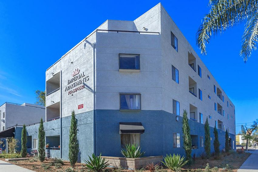 Imperial Apartments in Santa Ana, CA. Exterior Building View
