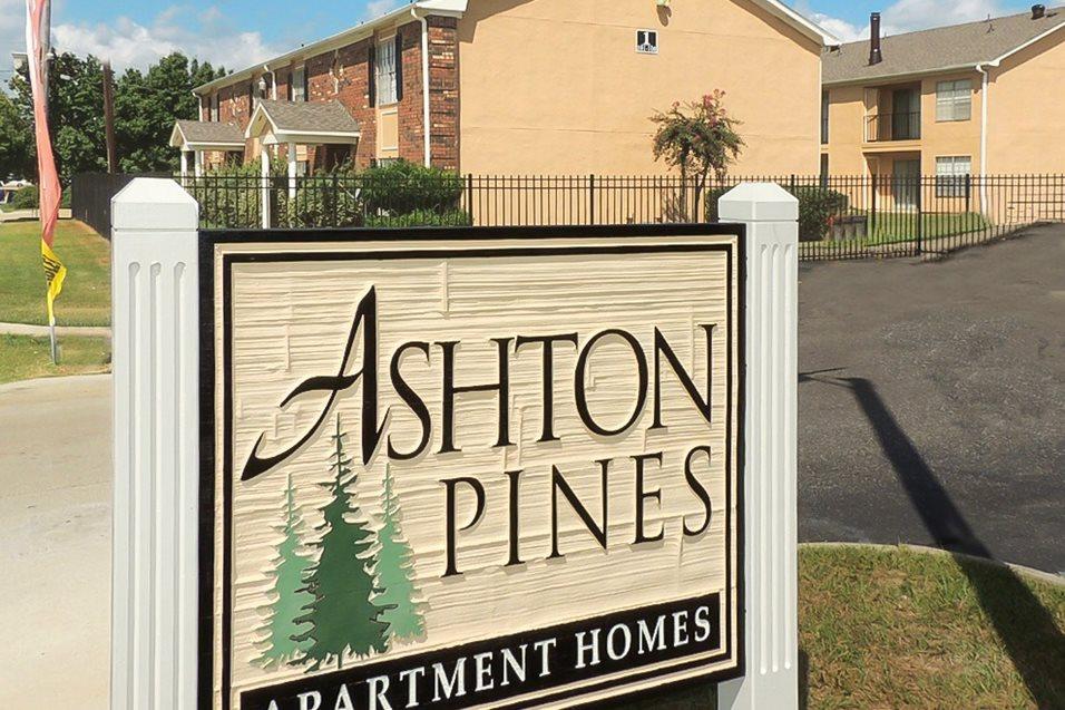 Images Video Ashton Pines Apartments