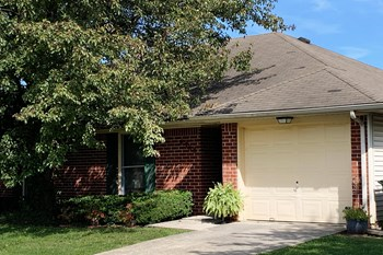 3824 C Kenesaw Drive 2 Beds Duplex/Triplex for Rent Photo Gallery 1