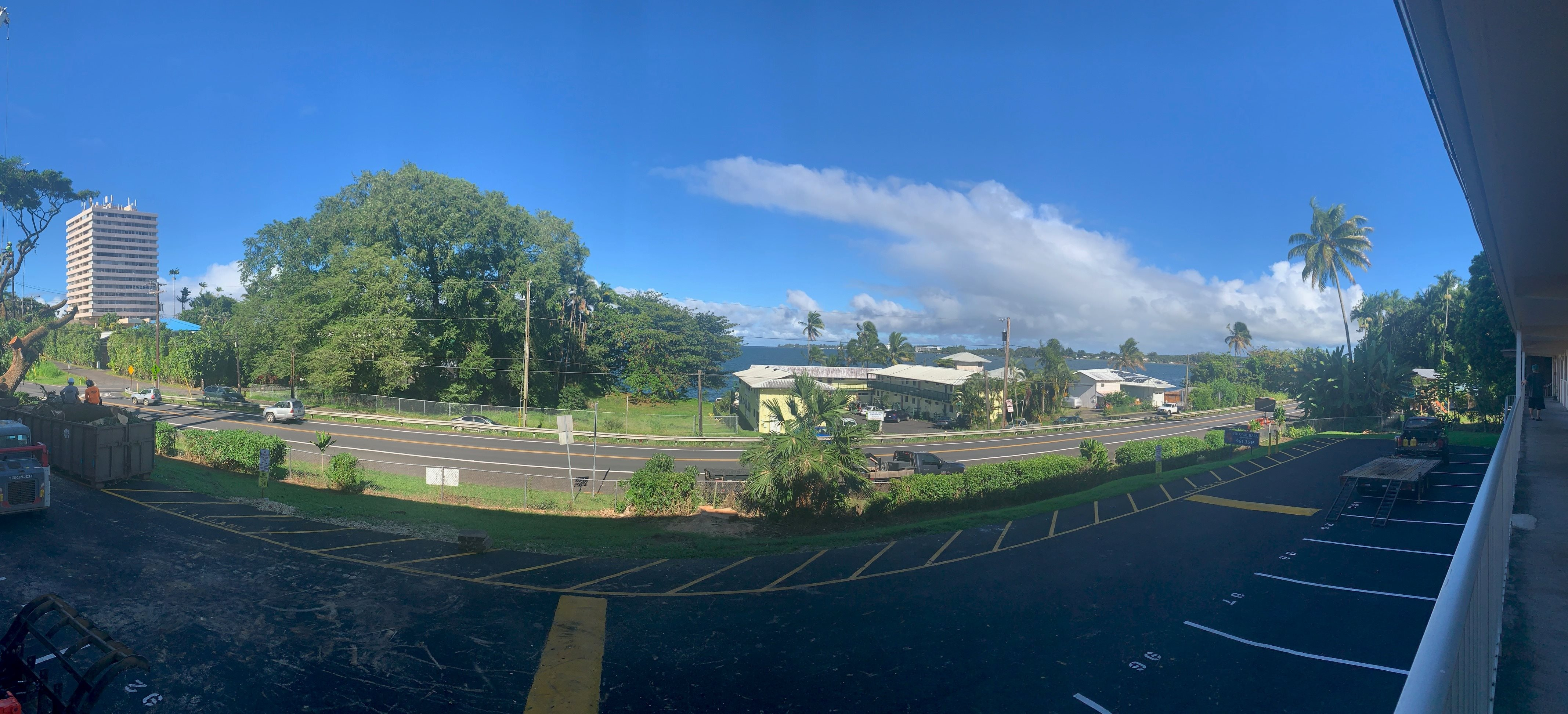Hilo Val Hala parking lot and street