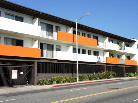 1301 Havenhurst exterior building