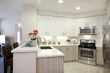 26705 Malibu Hills Rd 1-2 Beds Apartment for Rent Photo Gallery 1