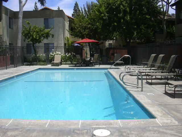 Villa del Sol Apartments pool area