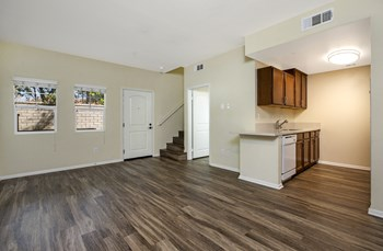 4871 Los Angeles Ave. 3-4 Beds Apartment for Rent Photo Gallery 1