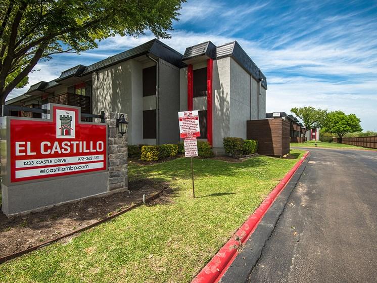 El Castillo Apartments signage and exterior building