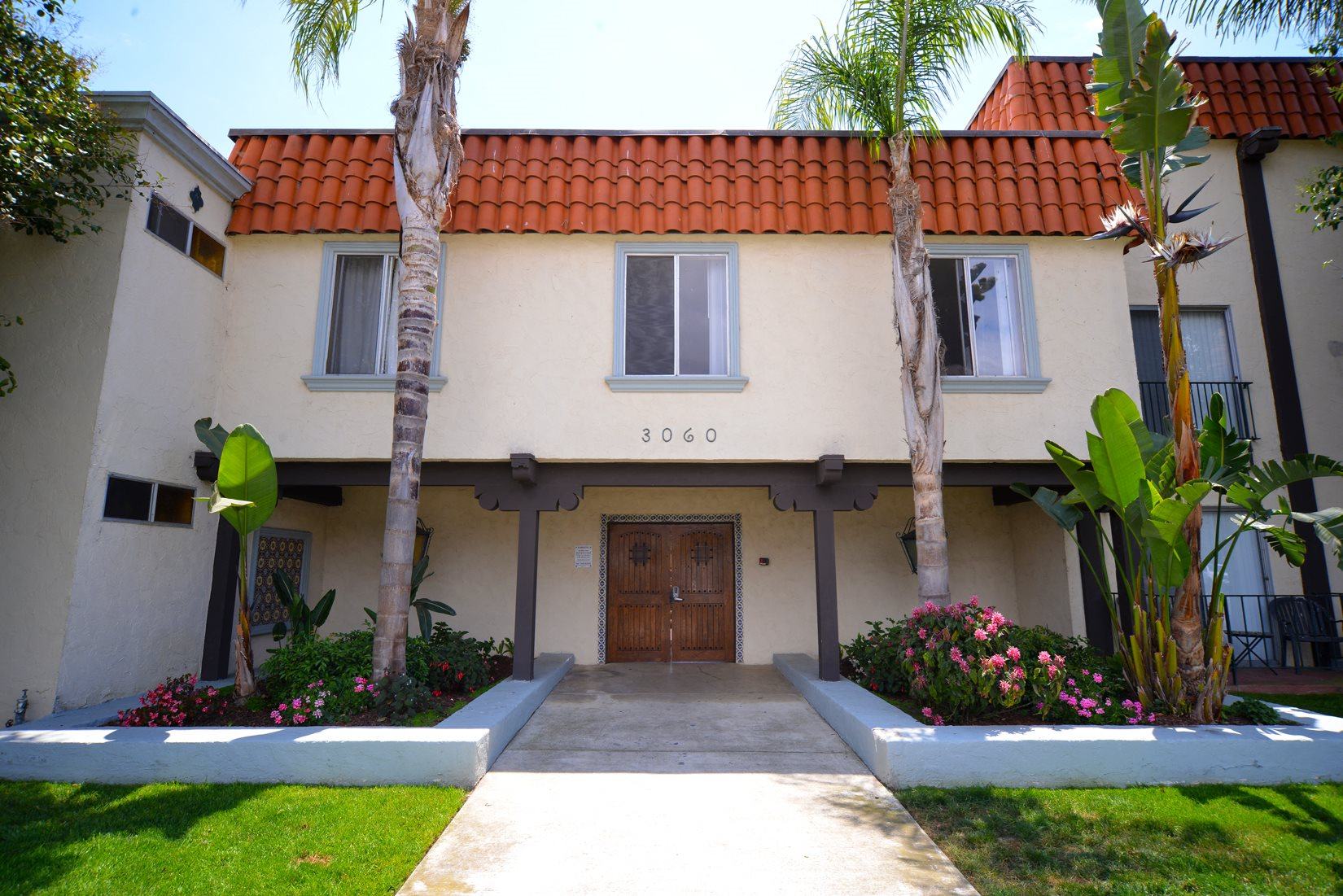 Ocean View Townhomes exterior building front
