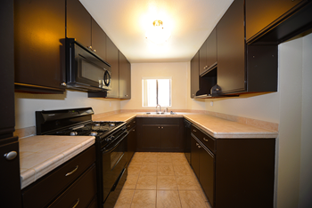 171 N. Wilson Ave 1-2 Beds Apartment for Rent Photo Gallery 1