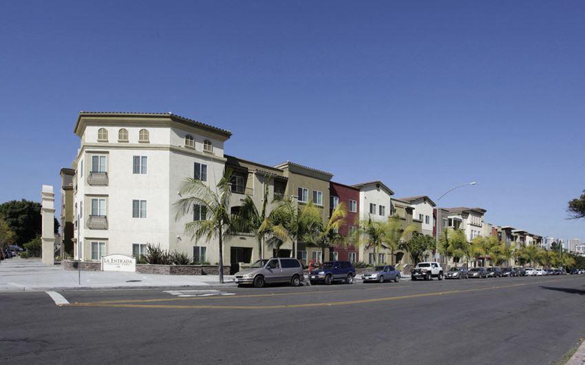 La Entrada Apartments exterior building and street