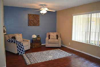 9933 Woodman Ave Studio-2 Beds Apartment for Rent Photo Gallery 1