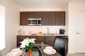 302 Arizona Ave Studio Apartment for Rent Photo Gallery 1