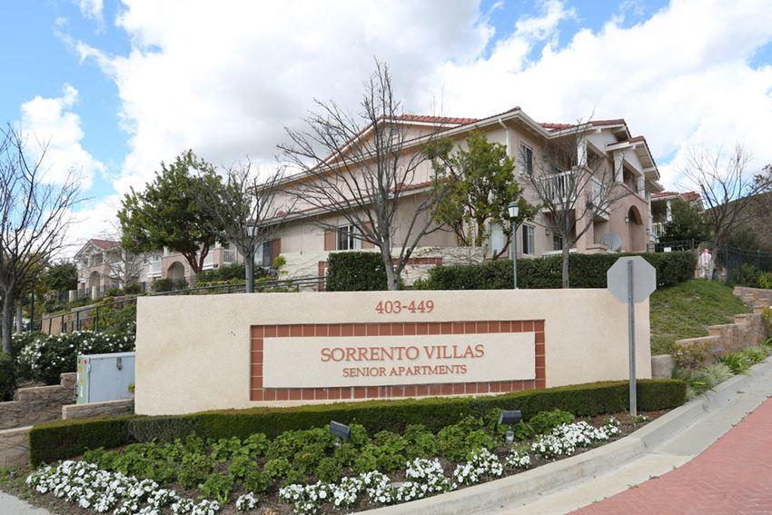 Sorrento Villas signage