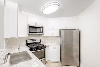 1435 Stanley Avenue 1-4 Beds Apartment for Rent Photo Gallery 1