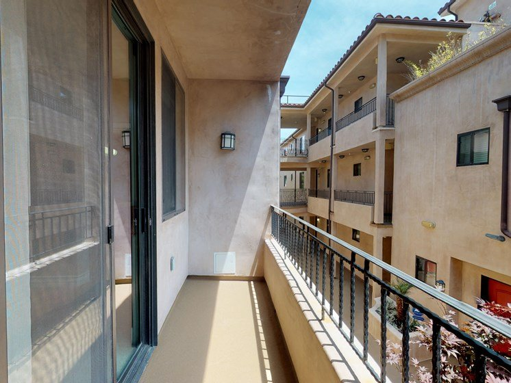 Vista Paradiso three bedroom townhome balcony