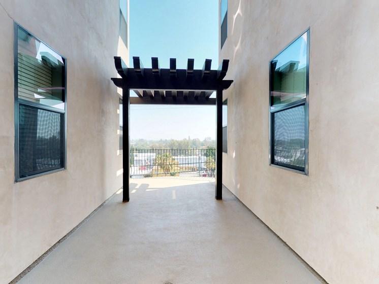 Vista Paradiso courtyard 1