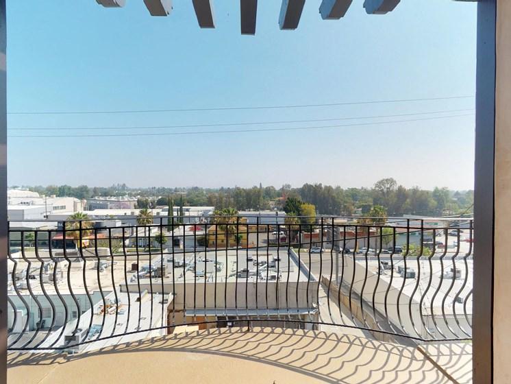 Vista Paradiso courtyard 2