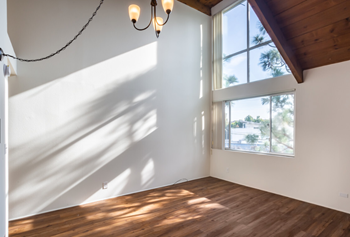 1720 Pacific Ave Studio Apartment for Rent Photo Gallery 1