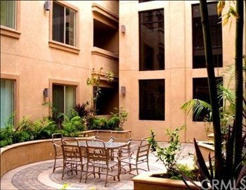 8633 California Ave. 1-2 Beds Apartment for Rent Photo Gallery 1