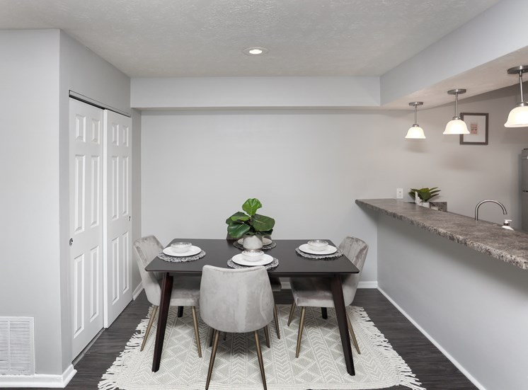 Naples Dining Area (shown in Elite style)