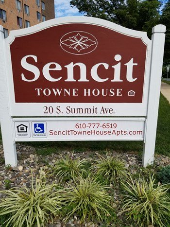 20 South Summit Avenue 1 Bed Apartment for Rent Photo Gallery 1
