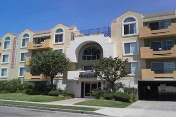 11047 Otsego Street 3 Beds Apartment for Rent Photo Gallery 1