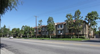 14955 Saticoy Street 1-2 Beds Apartment for Rent Photo Gallery 1