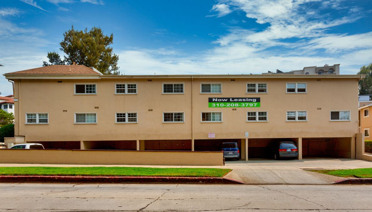 Strathmore Arms Apartments