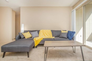 3031 NE 137Th St Studio-2 Beds Apartment for Rent Photo Gallery 1