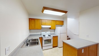 206 E. Laurel Street 1 Bed Apartment for Rent Photo Gallery 1