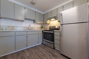 4500-4520 36Th Avenue SW 1-2 Beds Apartment for Rent Photo Gallery 1