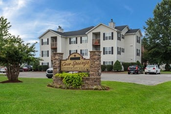376 Pascoe Blvd #4 1-3 Beds Apartment for Rent Photo Gallery 1