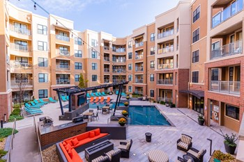 4551 Pennsylvania Ave 1 Bed Apartment for Rent Photo Gallery 1