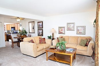 160 Thoroughbred Cir 1-3 Beds Apartment for Rent Photo Gallery 1
