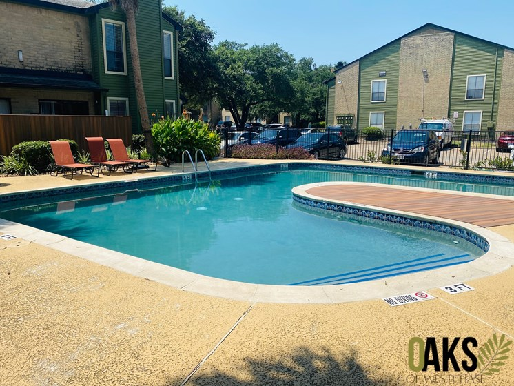 shimmering swimming pool in apartments near downtown houston