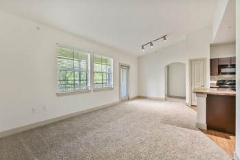 600 Woodbridge Pkwy 1 Bed Apartment for Rent Photo Gallery 1