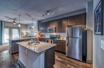 2727 Kings Road Studio-2 Beds Apartment for Rent Photo Gallery 1