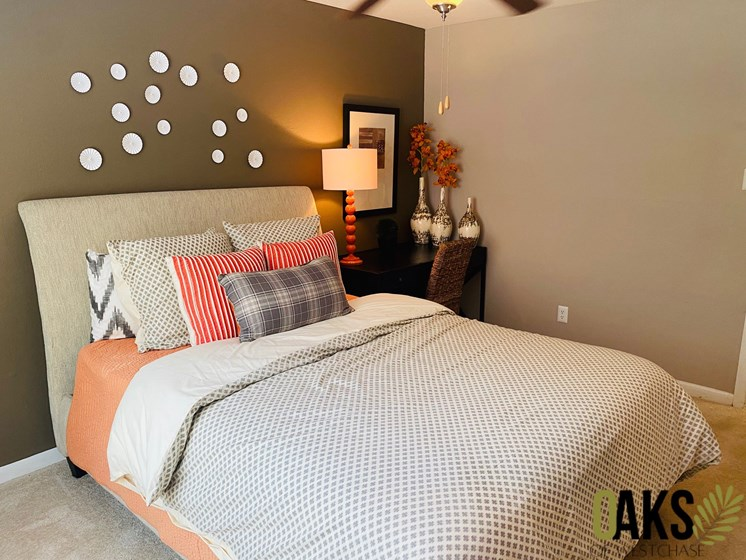 spacious bedroom in west houston apartments