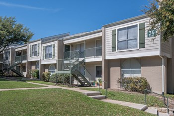 7581 Chevy Chase Dr 1-3 Beds Apartment for Rent Photo Gallery 1