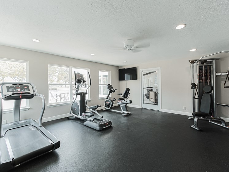pearland apartments with fitness center