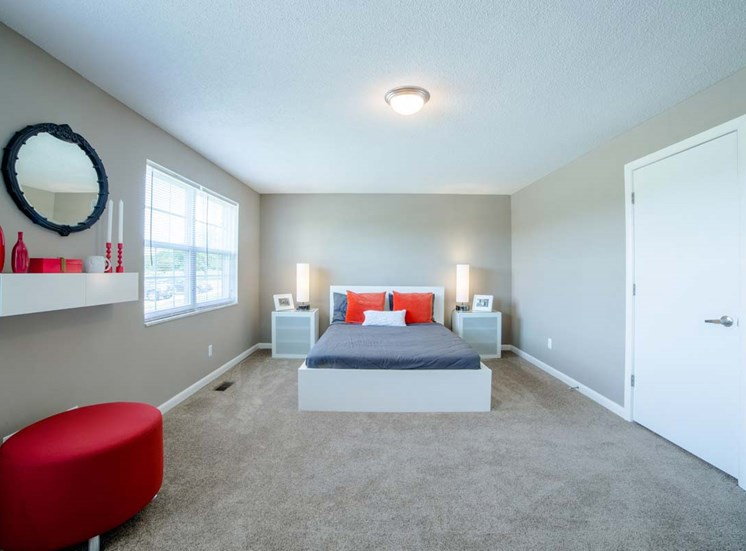 Luxurious Bedroom at Gramercy, Indiana, 46032