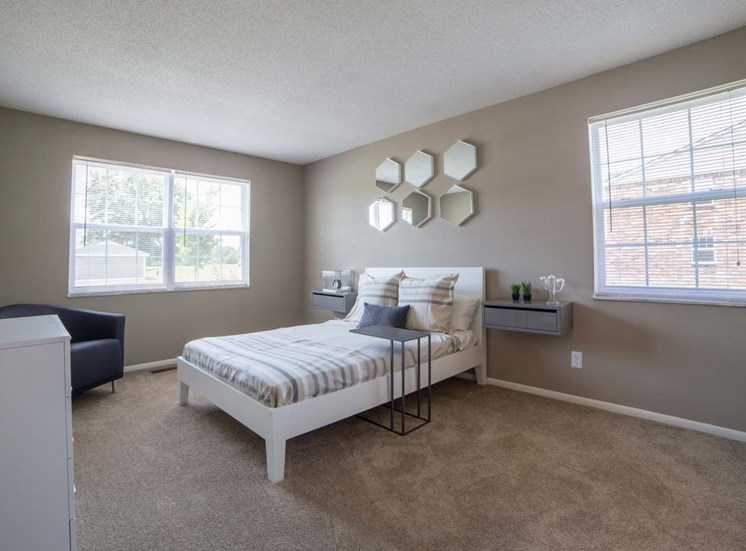 Beautiful Bright Bedroom With Wide Windows at Gramercy, Indiana, 46032